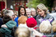 The Belgian Royal Courts: Queen Mathilde always smiling in the midst of children