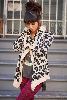 Cosy leopard printed sweater