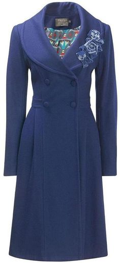 I think this coat is gorgeous! I absolutely love the style.