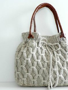 Knitting Patterns Bag Bag NzLbags Beige-Ecru knitted bag Handbag by NzLbags Knitting Projects, Crochet Projects, Knitting Patterns, Crochet Patterns, Free Knitting, Hand Knit Bag, Diy Sac, Crochet Purses, Crochet Bags