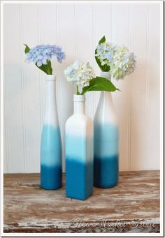 flea market trixie: Ombre Spray Painted Bottles