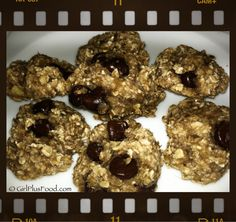 2 (or 3 if you add chocolate chips) ingredient oatmeal banana cookies