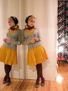 keltainen+harmaa, mekko+villatakki