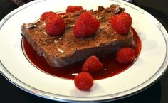 Healthy Chocolate Truffle Loaf With Raspberry Sauce Recipe - Healthy Recipe Ideas Ghirardelli Chocolate, Decadent Chocolate, Healthy Chocolate, Chocolate Truffles, Chocolate Desserts, White Desserts, Make Ahead Desserts, Food Mills, Raspberry Sauce