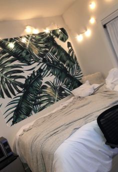 TapestryGirls.com Tapestry Bedroom, Tumblr Rooms, Types Of Beds, College Dorm Rooms, Cozy Bedroom, Bedroom Styles, Green Backgrounds, First Home, Dorm Decorations