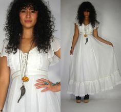 Vintage 70s CORSET Wht FLUTTER Sleeve GUNNE SAX Wedding HIPPIE Maxi Dress BOHO Gypsy