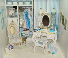 <3 this! What a splendid idea! Suzy Goose Vanity repainted                                                                                                                                                     More