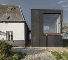 Mini-Bibliothek in Nordfrankreich / Lesen im Feld - Architektur und Architekten - News / Meldungen / Nachrichten - BauNetz.de