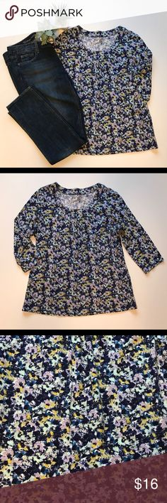 Cold water Creek Women's Top Floral 3/4 Sleeve Cute 100% cotton top, sz medium or 10-12. 3/4 length sleeves. Excellent condition. Coldwater Creek Tops
