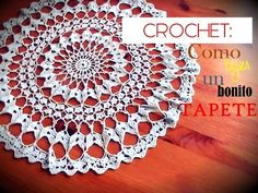 Aprende a tejer un bonito tapete o centro de mesa a crochet que podrás tejer paso a paso con mi vídeo tutorial. OTROS TAPETES O CENTROS DE MESA A CROCHET DEL...