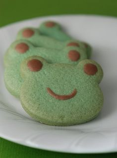 Leap Year ~ Frog Cakes, Cupcakes & Cookies Roundup - Mom Always Finds Out Dessert Kawaii, Frog Cookies, Frog Cupcakes, Tea Cookies, Mint Cookies, Sugar Cookies, Himawari Boruto, Cute Frogs, Oui Oui