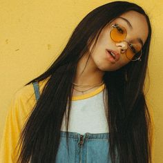 Imagen de yellow, girl, and aesthetic