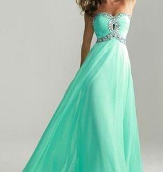 This was my dress from last years prom absolutely loved it