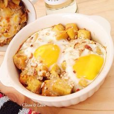Baked egg on rosted sweet potato  226 cal/serving Based on 2000 kcal diet.  #eatclean #getlean #cleanleanJKT #cleaneating #lifestyle #healthy #gluttenfree #fatloss #musclegain #FitnotSkinny #lowcarb #protein #superfood #katering #healthycatering #kateringdiet#kateringsehat#greens #instafit #organic #lowfat #dietbalance #fitness #gym #postWorkoutmeal #preworkoutmeal #foodphotography by cleanlean_catering