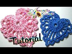 ▶ Tutorial piccolo cuore all'uncinetto   How to crochet a heart - YouTube