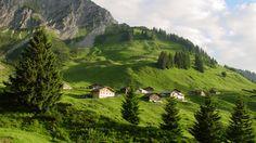 Österreich ist ein Land voller landschaftlicher Höhepunkte. Der Sommer ist der ideale Zeitpunkt diese Paradiese zu entdecken. Im zweiten Teil unserer Reise durch die Heimat entdecken wir Naturschönheiten in Vorarlberg, Tirol, Salzburg und Niederösterreich.