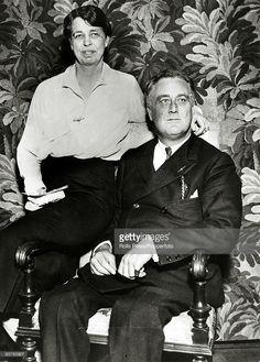 Franklin Delano Roosevelt and Eleanor Roosevelt Best Us Presidents, American Presidents, American History, President Fdr, President Roosevelt, Franklin Roosevelt, Marie Curie, James Dean, Mother Teresa