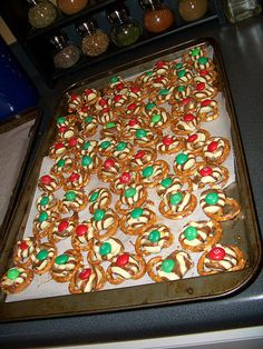 SO EASY!!! We did ours with candy cane kisses AND tried some chocolate chips with candy cane pieces on top....yummmmm!!! Great idea for the kids to help with the christmas baking. not messy at all