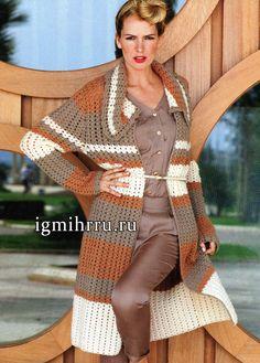 Эффектное весеннее пальто в бежевых тонах из мягкой мериносовой шерсти. Вязание крючком