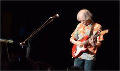 Steve Howe - Yes