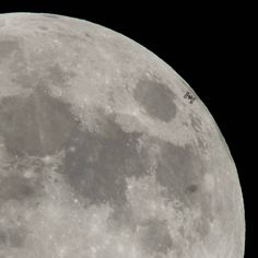 This NASA image obtained February 2018 shows the International Space Station, with a crew of six onboard, as it transits the moon at roughly five miles per second. Photo taken on January 2018 from Alexandria, Virginia. Nasa Pictures, Nasa Photos, Nasa Images, Blood Moon Eclipse, Lunar Eclipse, Carl Sagan, Eclipse Photos, Online College Degrees, Nasa Astronauts