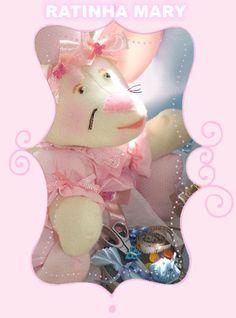 Ratinha Mary, confeccionada em feltro.  Maiores informações mande um e-mail para: artinpanno2013@gmail.com