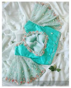 Kids Blouse Designs, Wedding Saree Blouse Designs, Hand Work Blouse Design, Simple Blouse Designs, Stylish Blouse Design, Wedding Blouses, Saree Wedding, Bollywood, Collection