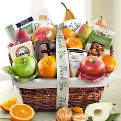 Golden State Fruit The Classic Deluxe Fruit Basket – Gourmet Gifts Mother's Day Gift Baskets, Birthday Gift Baskets, Basket Gift, Gourmet Gifts, Gourmet Recipes, Olives, Thanksgiving Fruit, Red Pear, Fruit Gifts