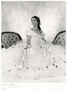 Vivien Leigh as Marguerite Gautier in The Lady of The Camellias, 1961.