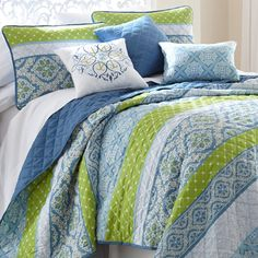This Sheila Six-Piece Reversible Quilt Set by Colonial Home Textiles is perfect! Luxury Comforter Sets, Bedding Sets, Colonial, Colorful Bedding, Sheila, Embroidered Quilts, Bed Back, Stylish Beds, Bed Sets