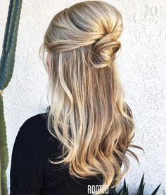 50 Half Updos for Your Perfect Everyday and Party Looks Voluminöses Bouffant Half-Updo Half Up Wedding Hair, Wedding Hairstyles Half Up Half Down, Half Up Half Down Hair, Down Hairstyles, Pretty Hairstyles, Easy Hairstyles, Straight Hairstyles, Curly Hairstyles, Casual Hairstyles