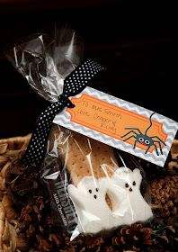 Simply Klassic Home: 31 Days of Simply Homemade: (Day 24) Halloween S'mores Teacher Gift & Printable