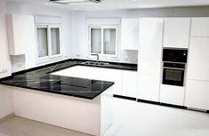 Kitchen Interior, Kitchen Decor, Kitchen Cabinets, Kitchen Appliances, Luxury Kitchen Design, Yellow Houses, Home Remodeling, Living Room Decor, Interior Design