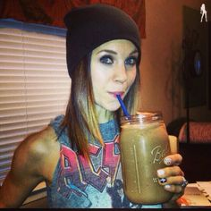 Your backstage pass to beauty, style, health and the confident rockstar life you crave! Barley Nutrition, Coffee Nutrition, Cheese Nutrition, Nutrition Shakes, Health And Nutrition, Juice Smoothie, Smoothies, Barley Grass, Smoothie