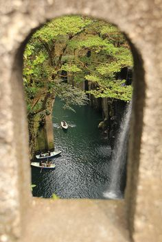 portal - Takachiho Gorge in Miyazaki Prefecture, Japan Takachiho, Places Around The World, Oh The Places You'll Go, Places To Travel, Around The Worlds, Travel Destinations, Beautiful World, Beautiful Places, Miyazaki