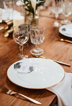 Shabby & Chic Vintage Wedding Decor Ideas ❤ shabby chic vintage wedding decor ideas seationg place quattrost #weddingforward #wedding #bride