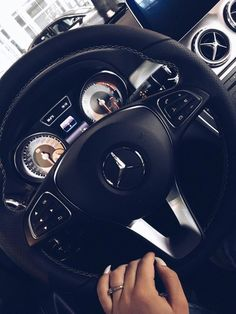 Luxury lifestyle Homes Benz Suv, Bmw Girl, Lux Cars, Car Goals, Mercedes Benz Cars, Sweet Cars, Future Car, Car Photos, Car Accessories
