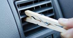Hon sätter fast en klädnypa på fläkten i bilen och avslöjar ett listigt knep som alla bilägare borde testa.. Newsner ger dig nyheter som berör!
