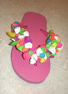 Cute flip flops for summer, plus a craft idea to get ready for the season!  Also a great inexpensive gift for a summer birthday party.