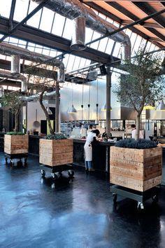 Après l'Australie c'est au Portugal que je vous emmène, à Lisbonne plus précisément pour visiter LE lieu à la mode du moment ... LX Factor...