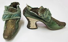 Shoes, silk, leather and metallic braid, supposedly early 18th century (I suspect, however, that they have been mis-dated and are actually 1670s or 80s). European.