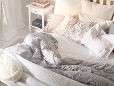LUDDE - en varm vän. ikea bedroom. white and gray mixed textures