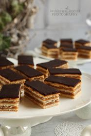 ...konyhán innen - kerten túl...: Zserbó Candy, Chocolate, Desserts, Food, Tailgate Desserts, Deserts, Essen, Chocolates, Postres