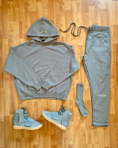 Yeezy Fashion, Tomboy Fashion, Mens Fashion, Fashion 2020, Insta Outfits, Swag Outfits, Cool Outfits, Black Jeans Outfit, Grey Outfit