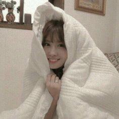 Nayeon, Kpop Girl Groups, Kpop Girls, Sana Momo, Jihyo Twice, E Dawn, Hirai Momo, Dahyun, My Little Baby