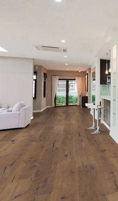 Wohnzimmer Und Küche In Einem U2013 In Diesem Großzügigen Wohnraum Liegt Tolles  Echt Holz Parkett