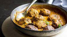 Zucchini Kofta in coconut sauce-SBS food Onion Recipes, Indian Food Recipes, Vegetarian Recipes, Cooking Recipes, Ethnic Recipes, Savoury Recipes, Vegetarian Cooking, Vegan Dinners, Vegan Food