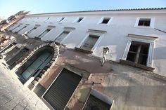 Palazzo Romano è un progetto residenziale inedito, un dialogo tra le forme storiche cinquecentesche e il design contemporaneo degli interni. Il Palazzo Rom