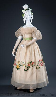 Day dress | British | 1820s | no medium available | FIDM Museum | Helen Larson Historic Fashion Collection