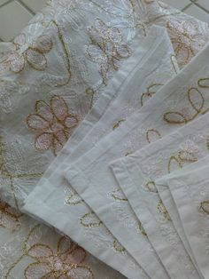 Tablecloth with Matching 4 Napkins Peach Pink White Gold Embroidered - pinned by pin4etsy.com